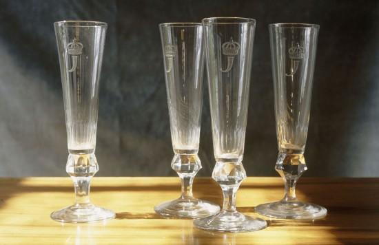 146-flutes_a_champagne_au_chiffre_j