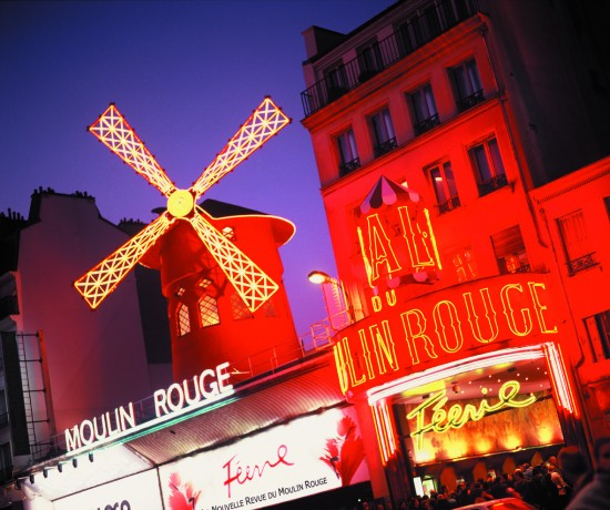 facade-moulin-rouge