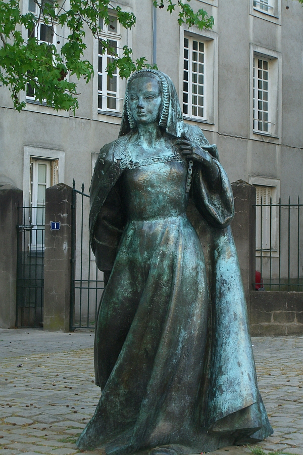 anna-bretonskaia