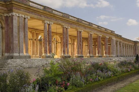 peristyle-du-grand-trianon-c2a9-epv-j-m-manai