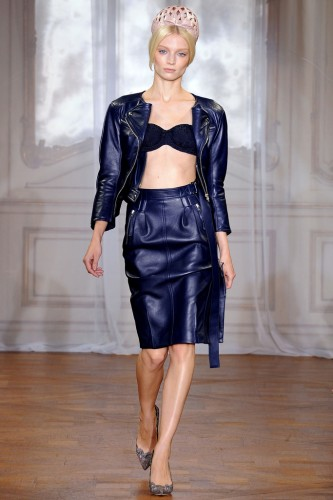 nina-ricci-blu-marine-leather