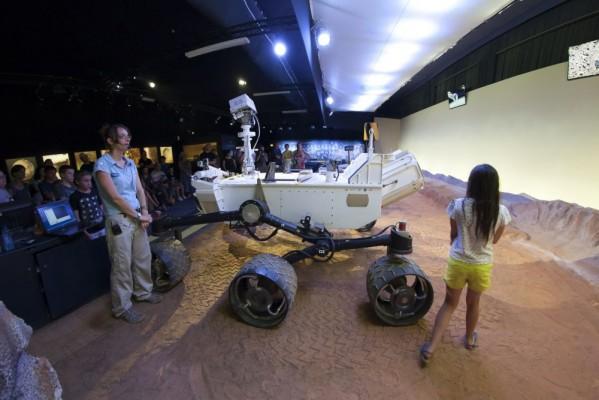 explorez-mars-rover-curiosity-en-taille-reelle-cite-de-lespace-manuel-huynh-_mg_7259_3500