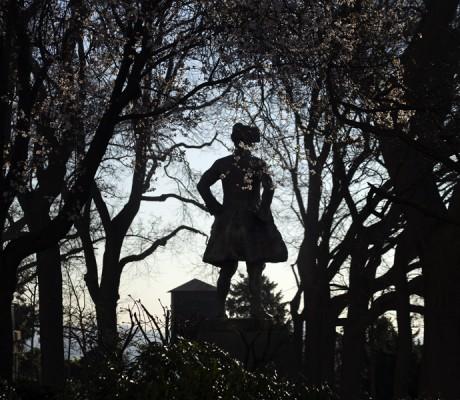 Montmartre. Au Chevalier de la Barre 1.