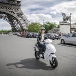 Общественные электроскутеры появятся в Париже | Des scooters électriques en libre accès bientôt à Paris
