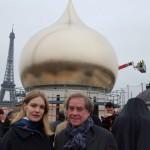 На фоне Эйфелевой башни | Sur fond de Tour Eiffel