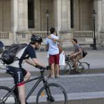 Мэрия Парижа запрещает автомобили | La mairie de Paris interdit les véhicules
