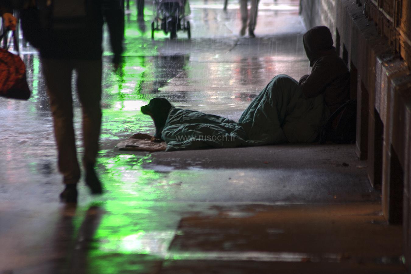 Жители XVI округа Парижа против бездомных и городской мэрии | Les habitants du XVIe arrondissement de Paris s'opposent à la mairie et aux SDF