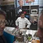 Шефы-кулинары развернули походные кухни на французских вокзалах