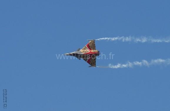 fighter-jet-437982_640